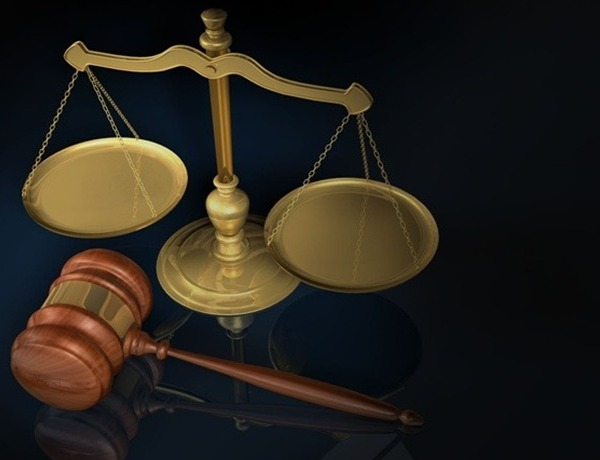 Gavel and Scales (GEN)_-2170796366221390264
