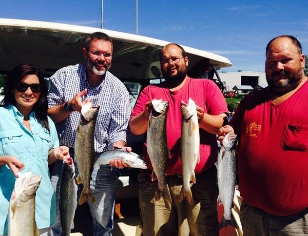 Darin' Erin goes Fishing _-8459907217384583817