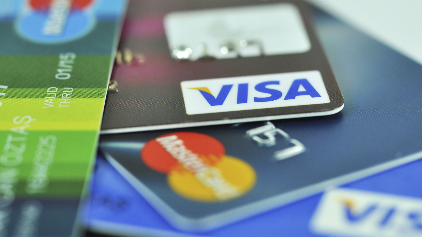 creditcards_412829-873702560