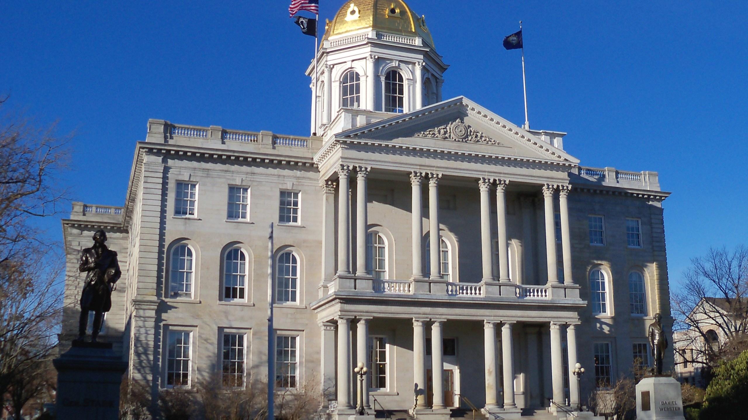 New_Hampshire_State_House_5_1530195726278.jpeg