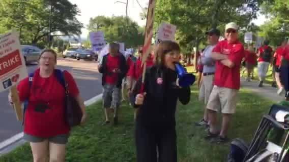 UVM nurses' begin 48 hour walkout