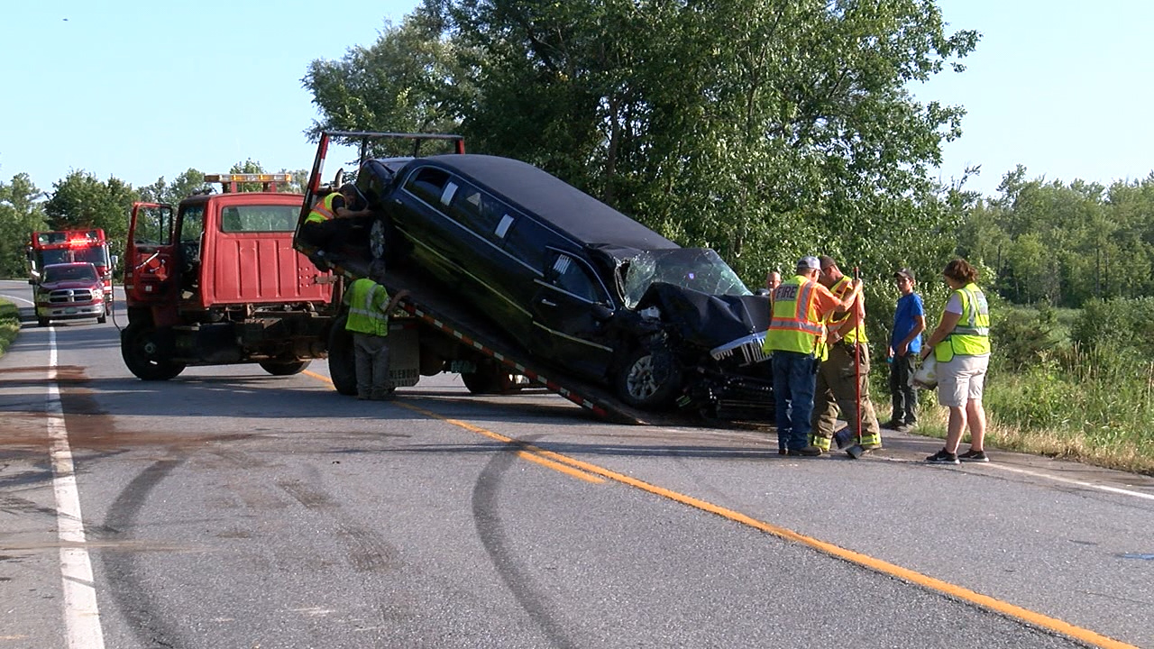 Vermont man suffers minor injuries in limo crash